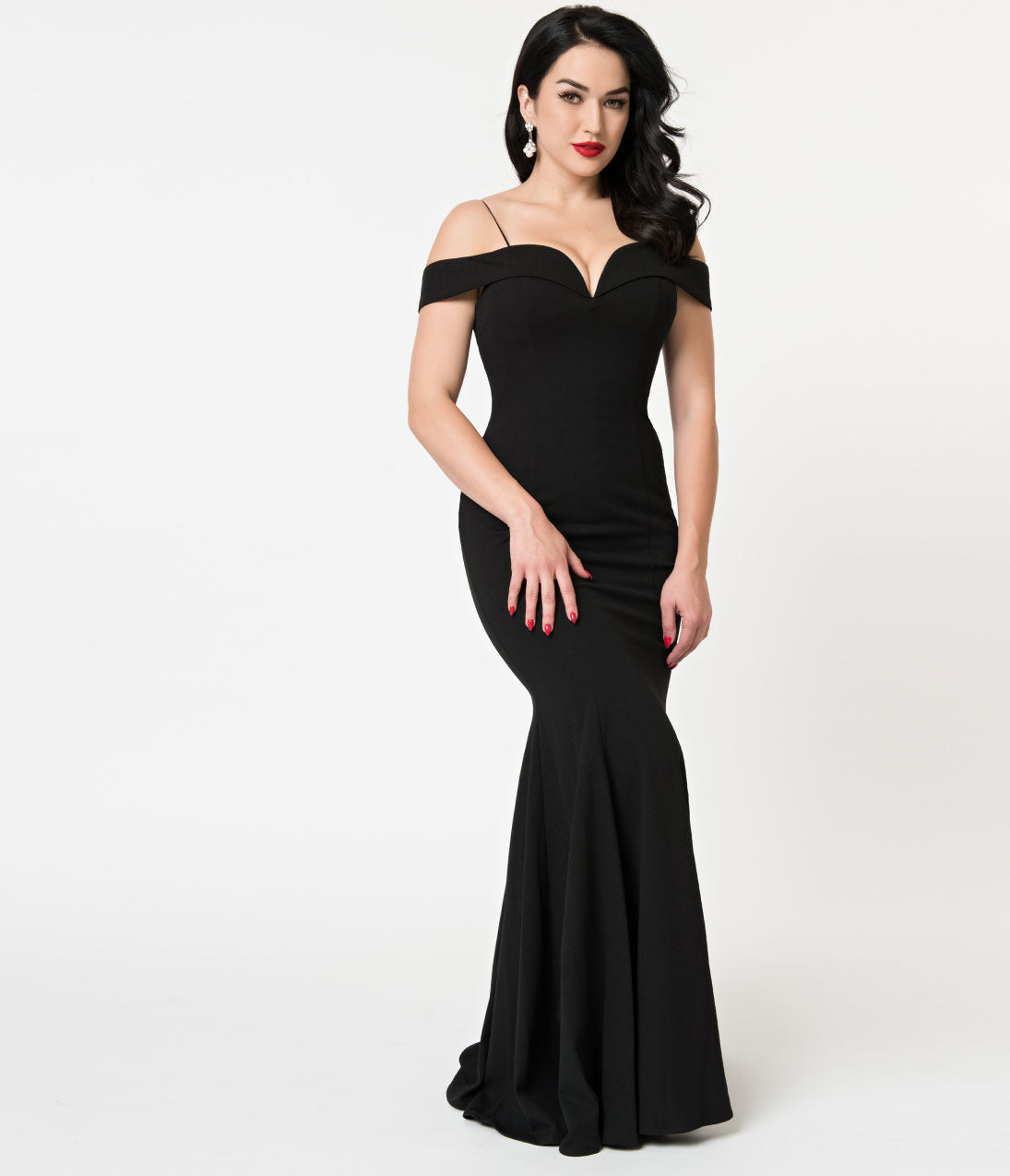 Vintage Evening Dresses and Formal Evening Gowns Black Bateau Neckline Mermaid Style Full Length Gown $110.00 AT vintagedancer.com