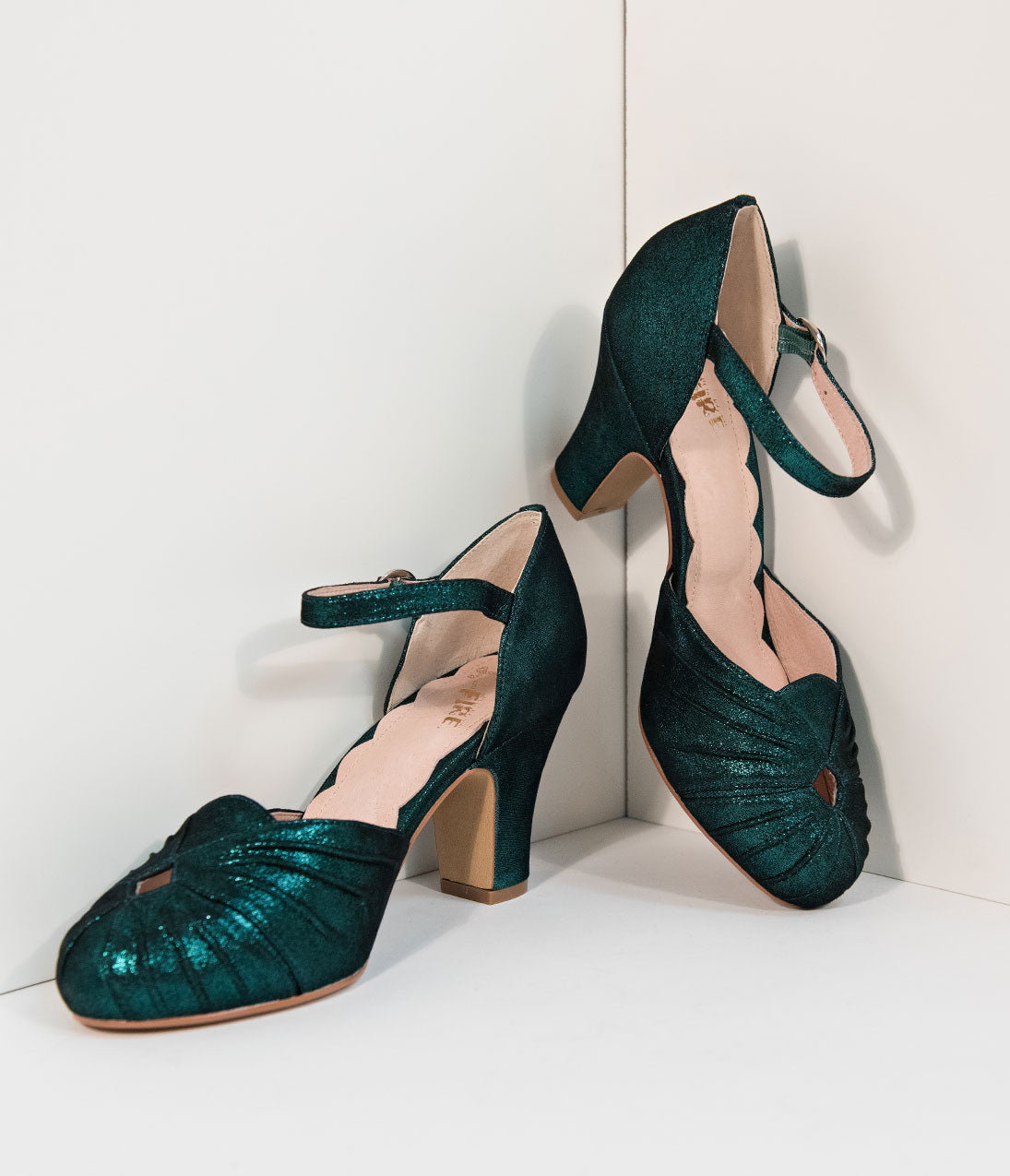 1940s Style Shoes, 40s Shoes Miss L Fire 1940S Style Emerald Green Sparkle Keyhole Amber Heels $131.00 AT vintagedancer.com