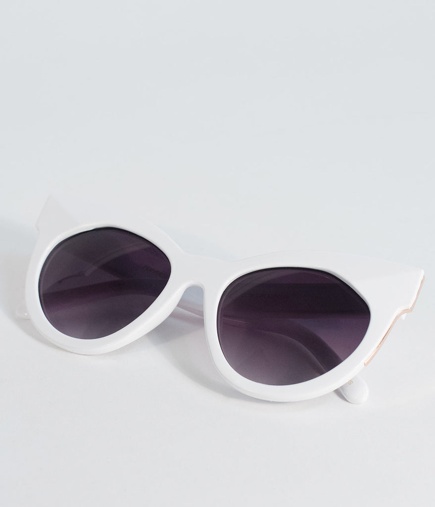Perverse Retro Style Twist White Cosmopolitan Cat Eye Sunglasses