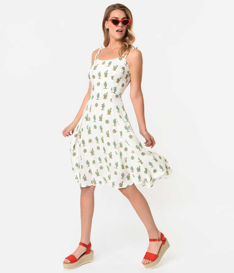 Collectif Retro Style Ivory & Green Cactus Janie Doll Dress