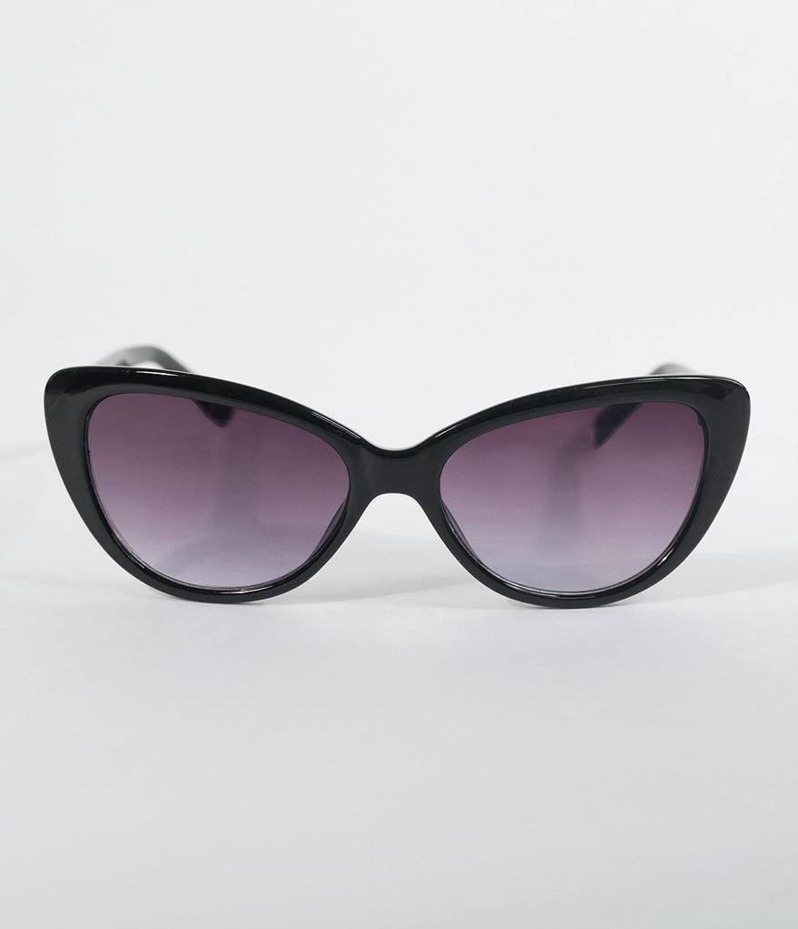 Classic Black Smirk Cat Eye Sunglasses