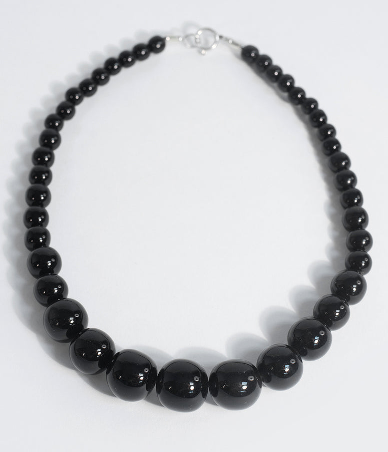 Retro Style Black Resin Beaded Necklace