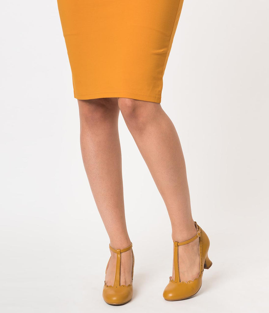 Bettie Page 1940s Mustard Yellow Leatherette Penny Scalloped T-Strap Heels