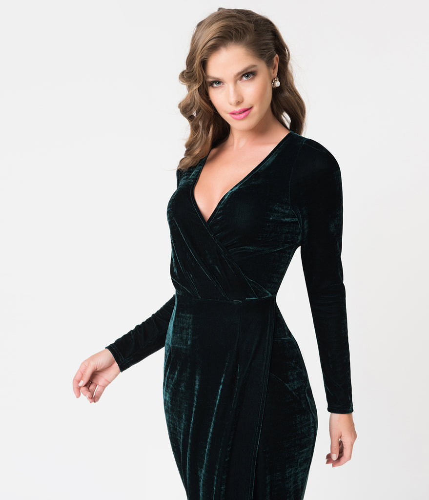 Unique Vintage Emerald Green Velvet Long Sleeve Damsel Wiggle Dress