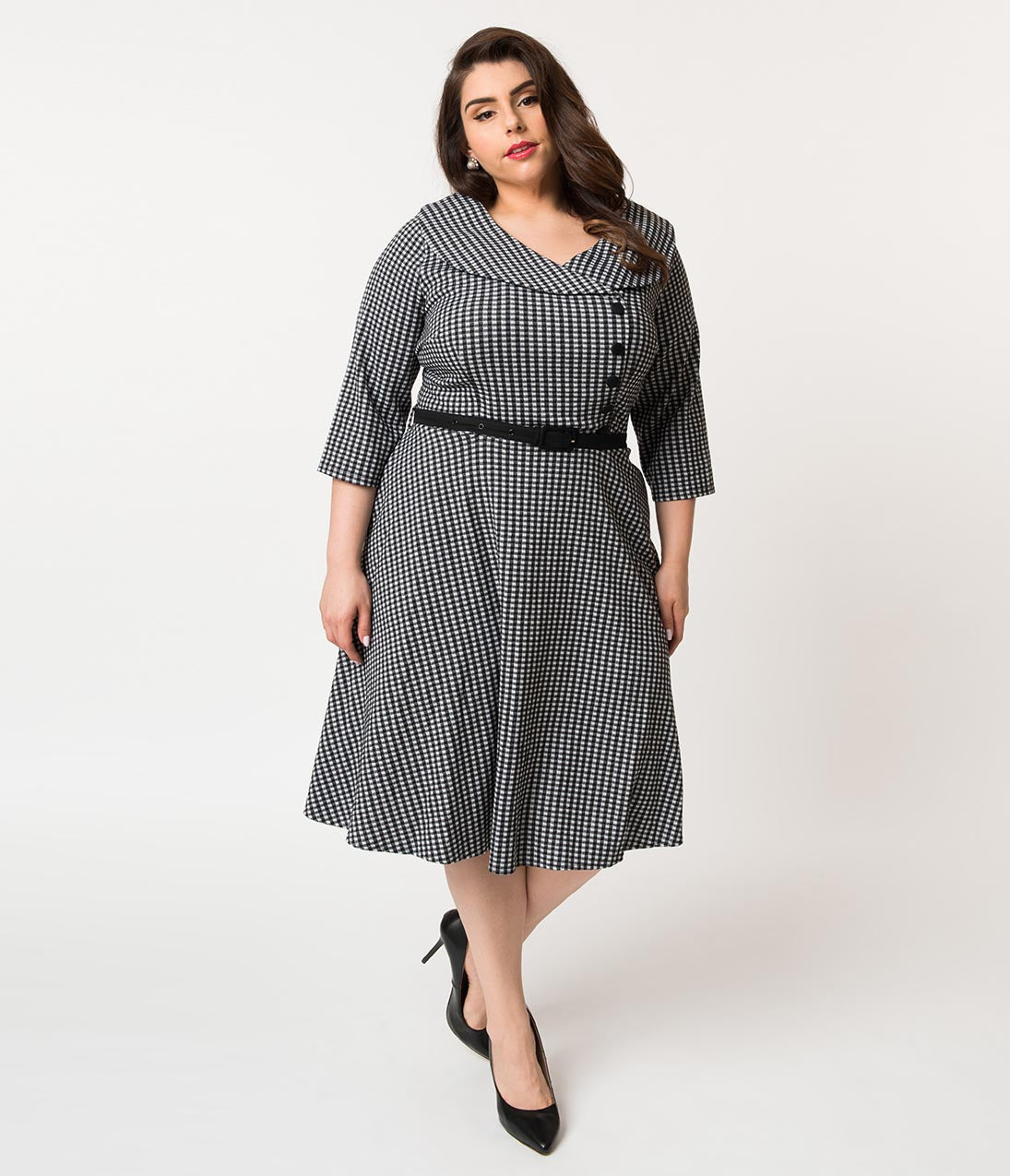 1950s Plus Size Dresses, Clothing and Costumes 1950S Black  White Gingham Knit Aubrey Swing Dress $66.00 AT vintagedancer.com