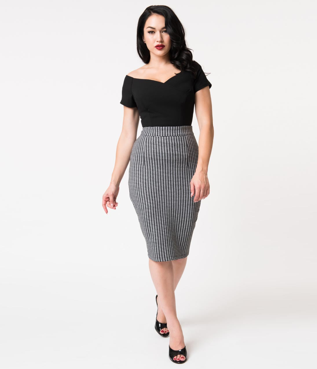 1950s Swing Skirt, Poodle Skirt, Pencil Skirts Voodoo Vixen 1960S Style Black  White Gingham Hazel Pencil Skirt $54.00 AT vintagedancer.com