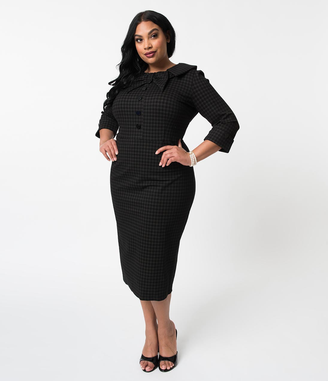 1940s Plus Size Fashion: Style Advice from 1940s to Today Plus Size 1940S Style Black Plaid Stretch Ceo Wiggle Dress $96.00 AT vintagedancer.com