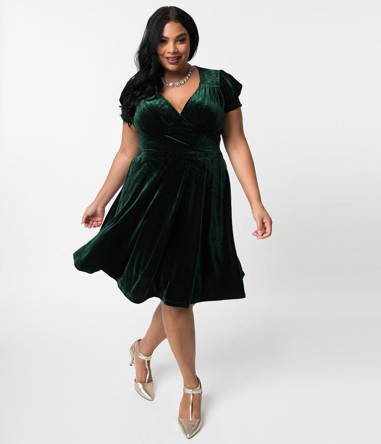 Hell Bunny Plus Size Emerald Velvet Short Sleeve Joanna Flare Dress