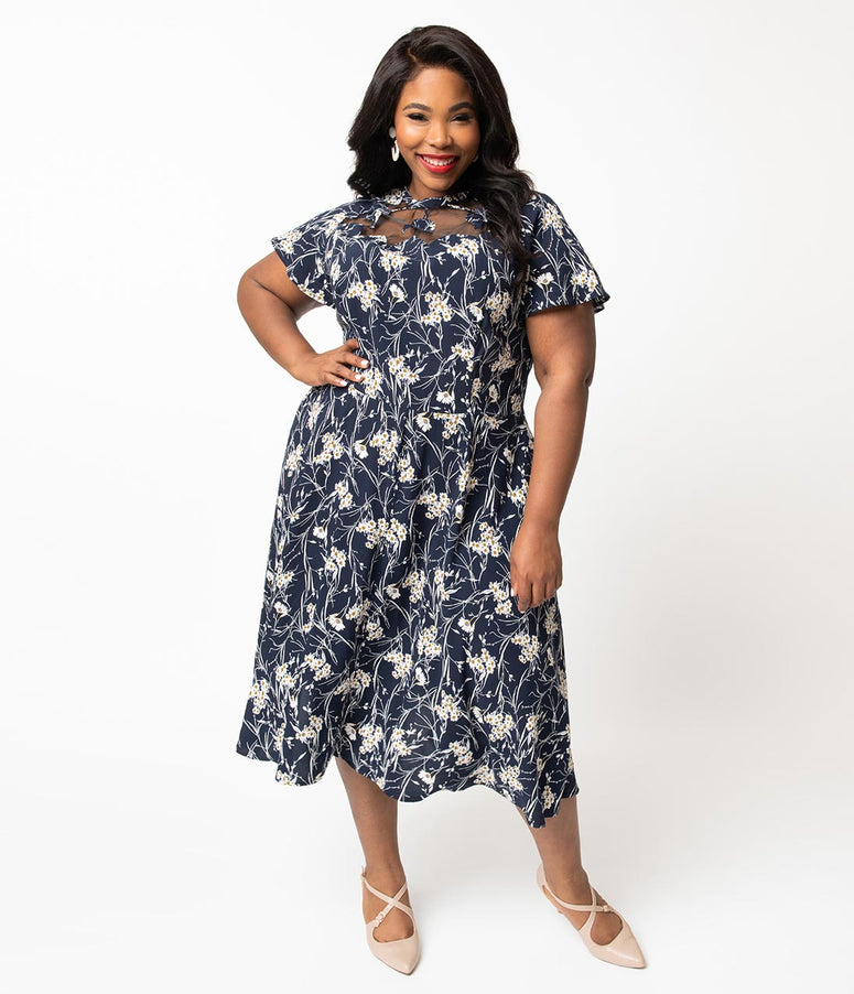 e7d33913ae3 Unique Vintage Plus Size 1940s Style Navy   White Floral Print Jessie Swing  Dress