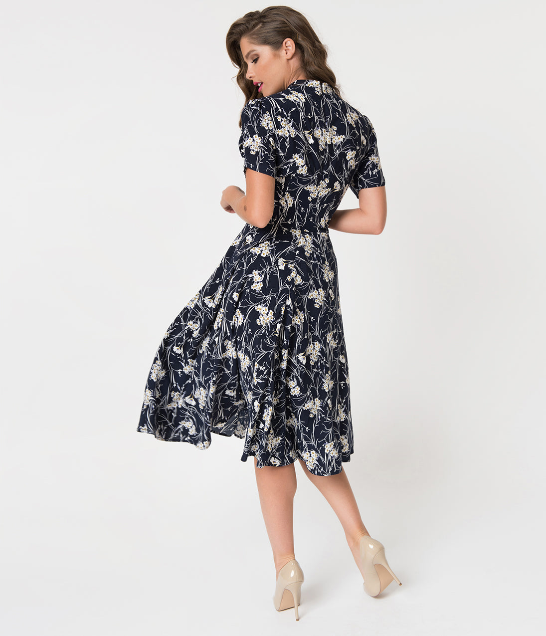 e04b255925 1940s Style Black   White Florals Short Sleeve Sadie Swing Dress ...