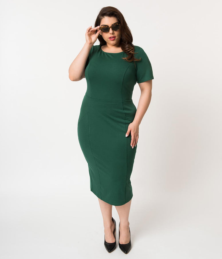 225621bab14 Unique Vintage Plus Size 1960s Emerald Green Short Sleeve Stretch Mod Wiggle  Dress
