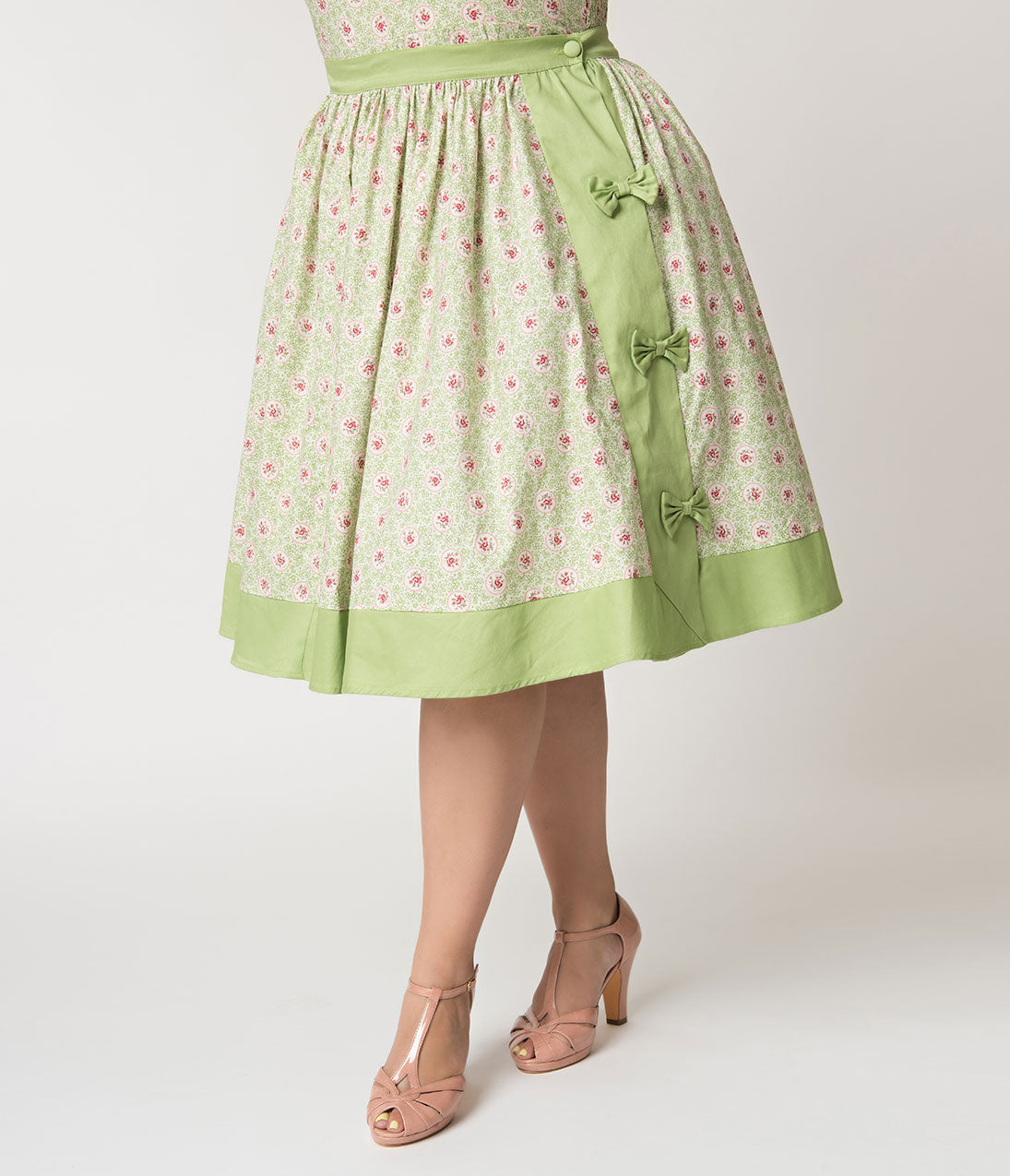 176ef051deac4d Unique Vintage Plus Size Mint Green & Polka Dot Floral Rye Swing Skirt