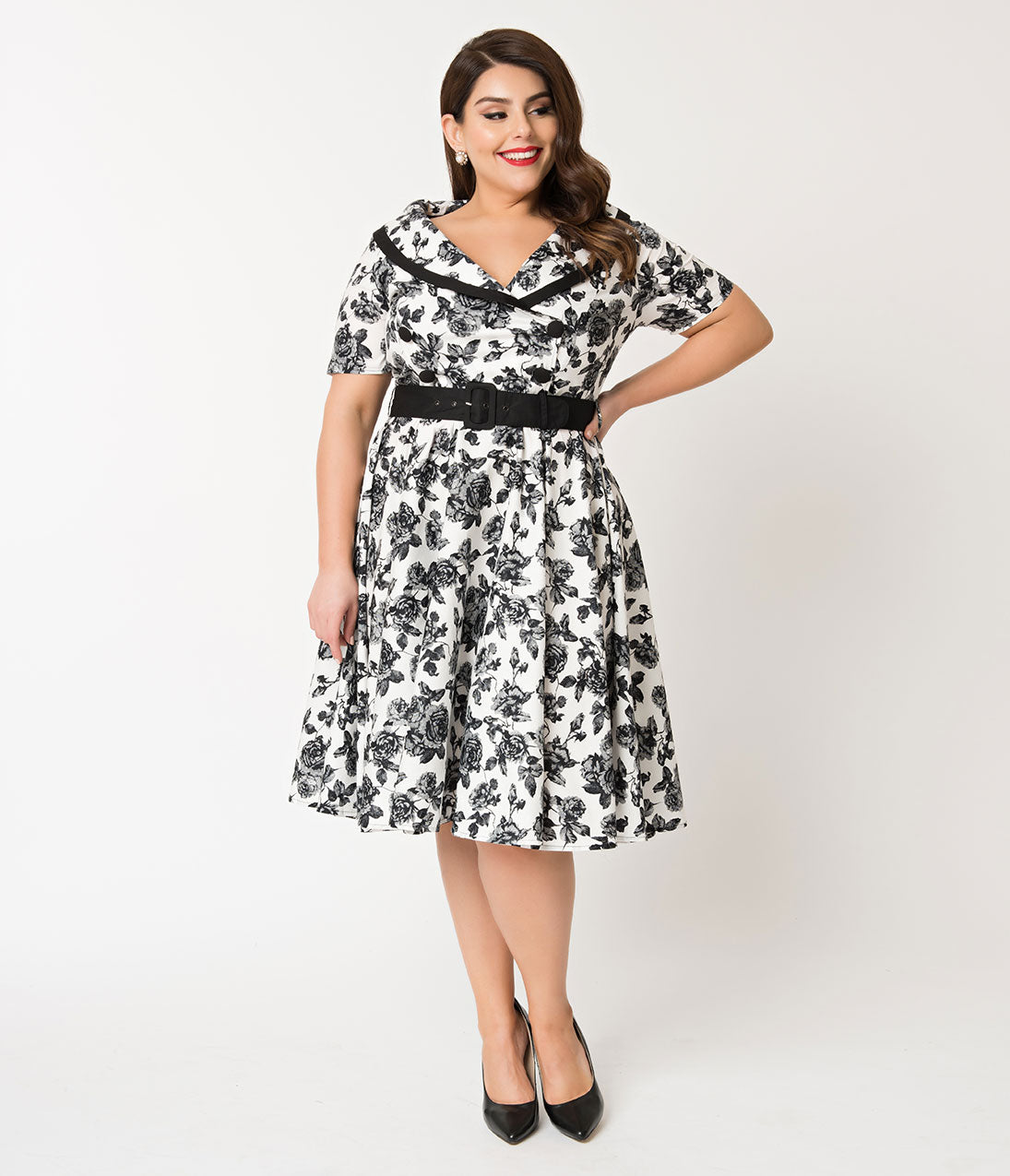1950s Plus Size Dresses, Clothing and Costumes Hell Bunny Plus Size 1950S Style White  Black Floral Honor Swing Dress $62.00 AT vintagedancer.com