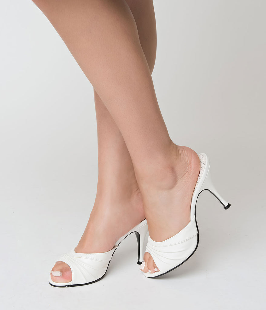 Retro Style White Leatherette Peep Toe Pleated Mule Heels