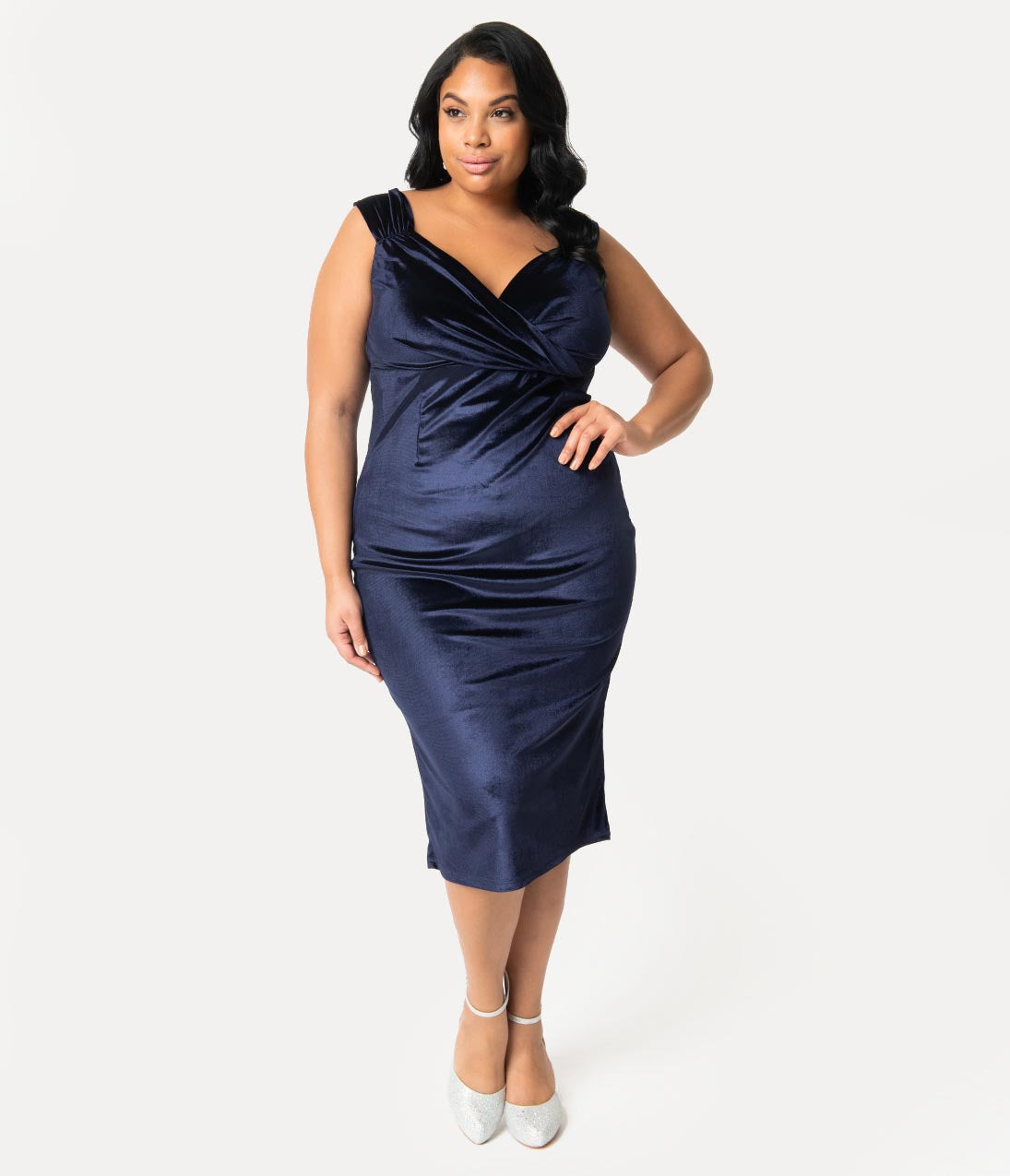 1950s Plus Size Dresses, Clothing and Costumes Steady Plus Size 1950S Gucci Blue Velvet Sleeved Diva Wiggle Dress $82.00 AT vintagedancer.com