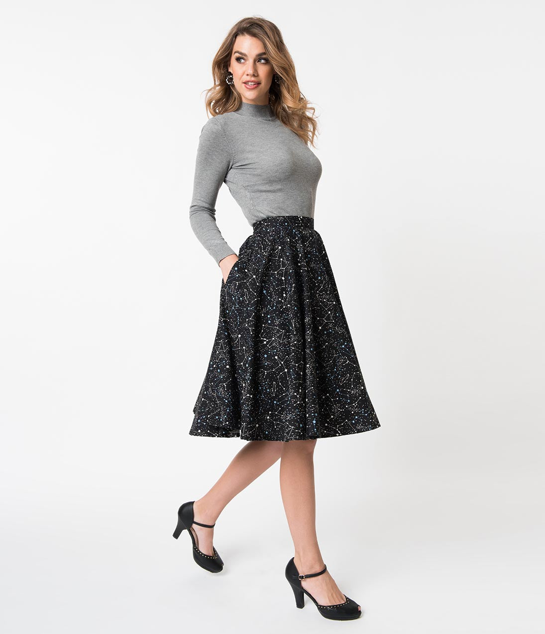 Retro Green Ton Sur Outfit With A Midi Skirt Beret And Lace