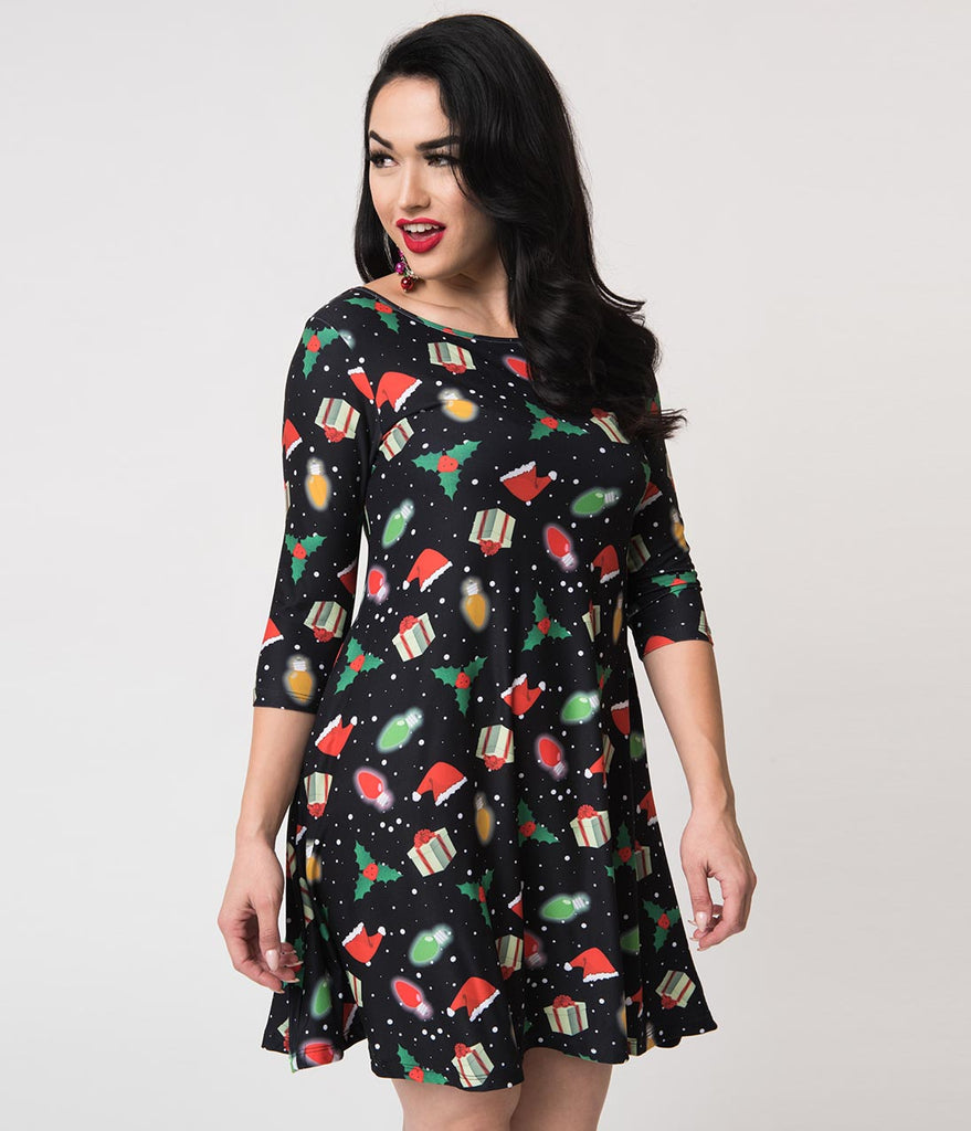 Black Holiday Print Sleeved Stretch Shift Dress
