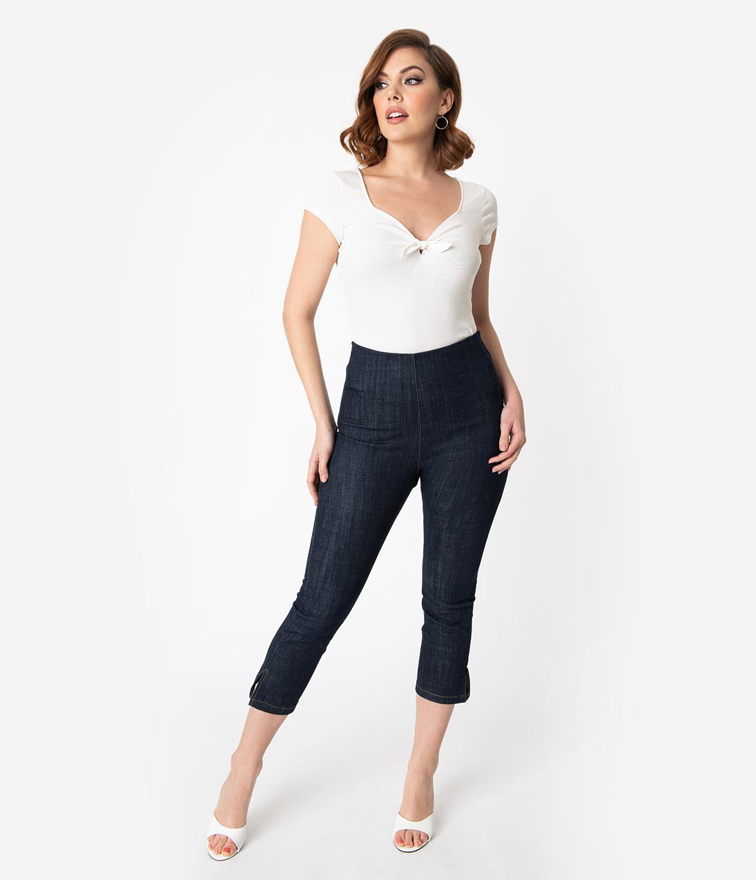 What Did Women Wear in the 1950s? 1950s Fashion Guide Unique Vintage Denim Blue High Waist Rachelle Capri Pants $58.00 AT vintagedancer.com