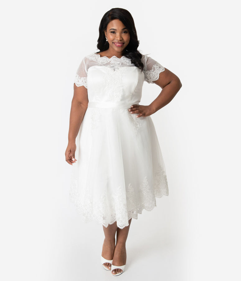 Unique Vintage Plus Size 1950s White Lace Short Sleeve Cannes Bridal Dress