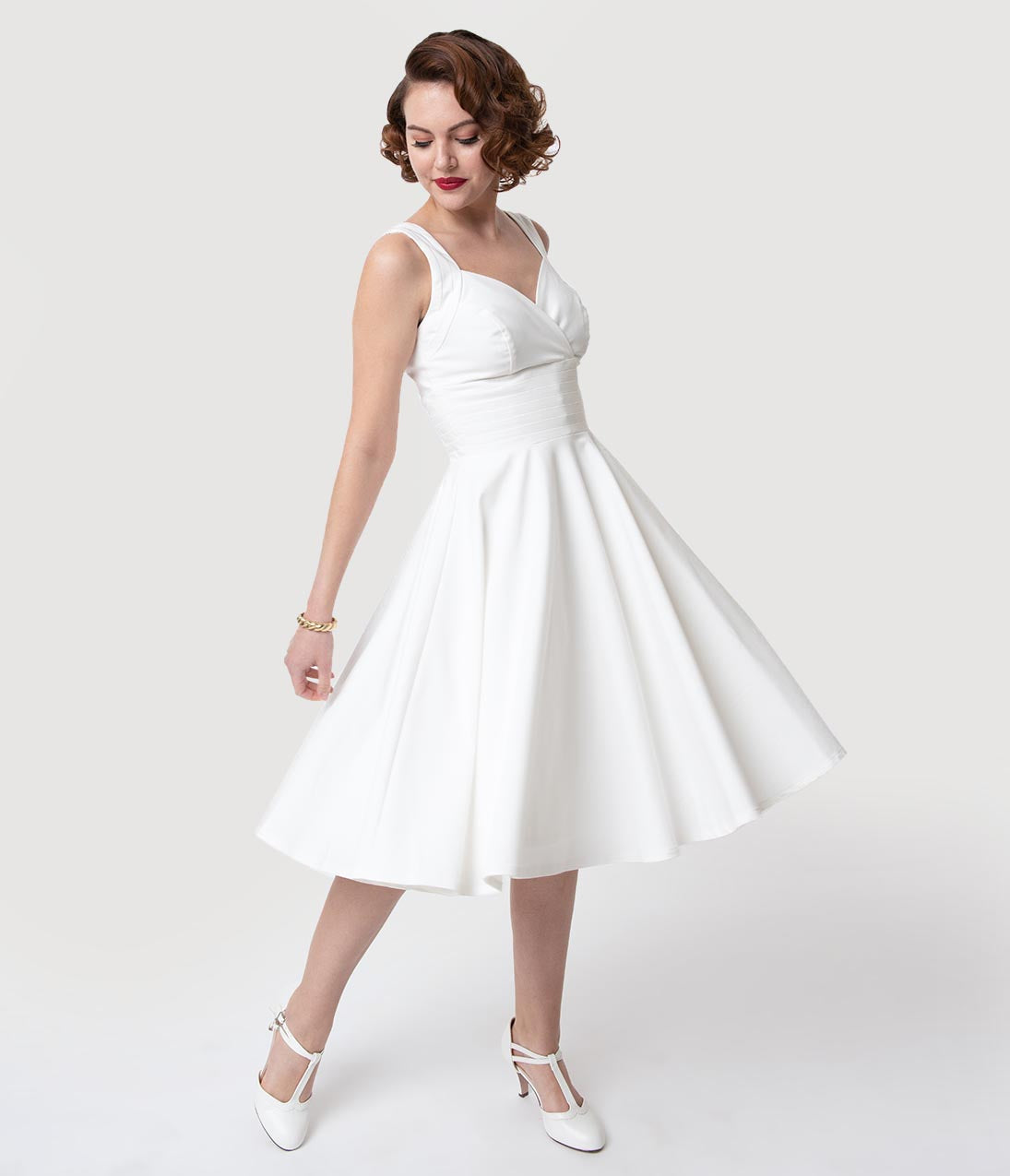 1950s Swing Dresses | 50s Swing Dress Glamour Bunny 1950S White Sweetheart Trinity Swing Dress $116.00 AT vintagedancer.com