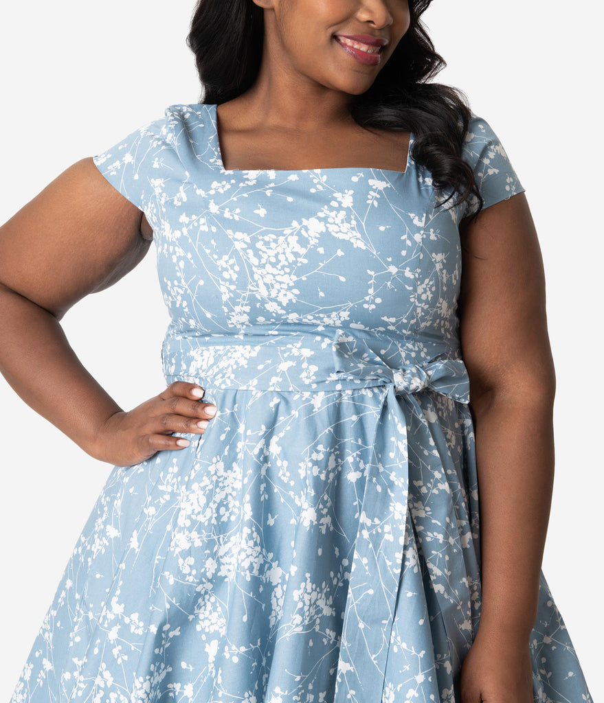 Plus Size Retro Style Light Blue & Ivory Dainty Floral Cap Sleeve Anna Swing Dress