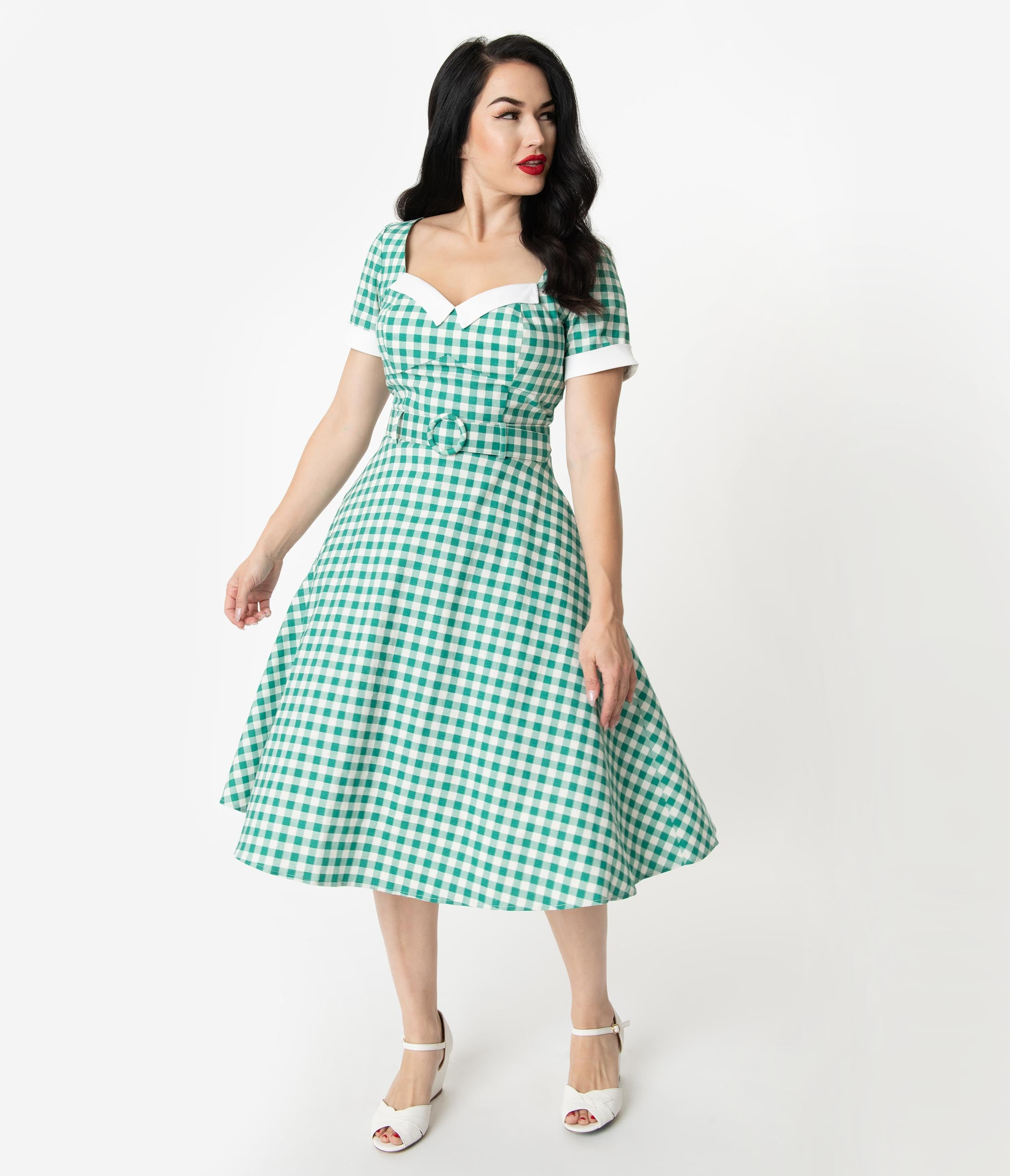 Fifties Dresses : 1950s Style Swing to Wiggle Dresses Collectif 1950S Style Green  Ivory Gingham Roberta Swing Dress $78.00 AT vintagedancer.com
