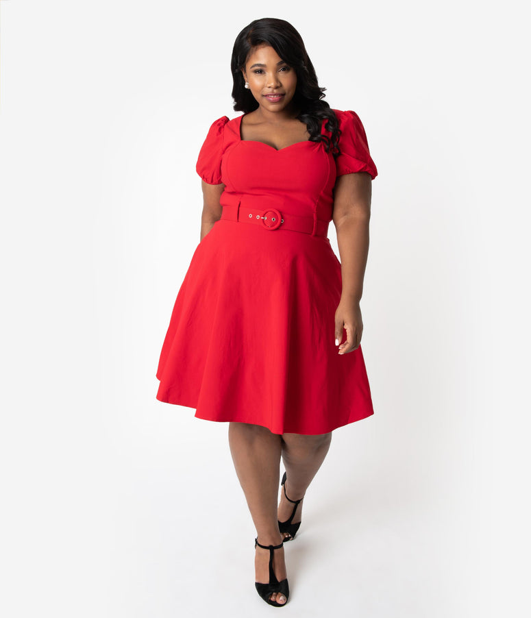 Collectif Plus Size 1950s Style Red Sweetheart Short Sleeve Paisley Fit & Flare Dress