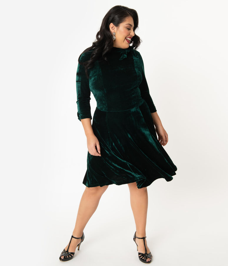Unique Vintage Plus Size Emerald Velvet Three-Quarter Sleeved Parker Flare Dress
