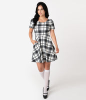 Plaid Print Above the Knee Scoop Neck Short Sleeves Sleeves Natural Waistline Dress