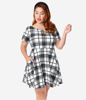 Plus Size Short Sleeves Sleeves Above the Knee Natural Waistline Scoop Neck Plaid Print Dress