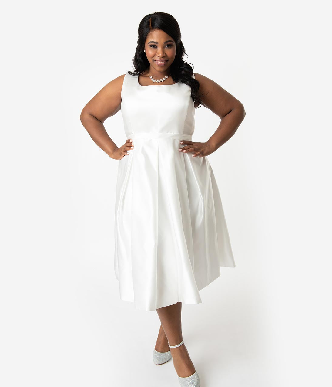 Plus Size Pocketed Pleated Back Zipper Fitted Scoop Neck Princess Seams Waistline Satin Sleeveless Tea Length Wedding Dress