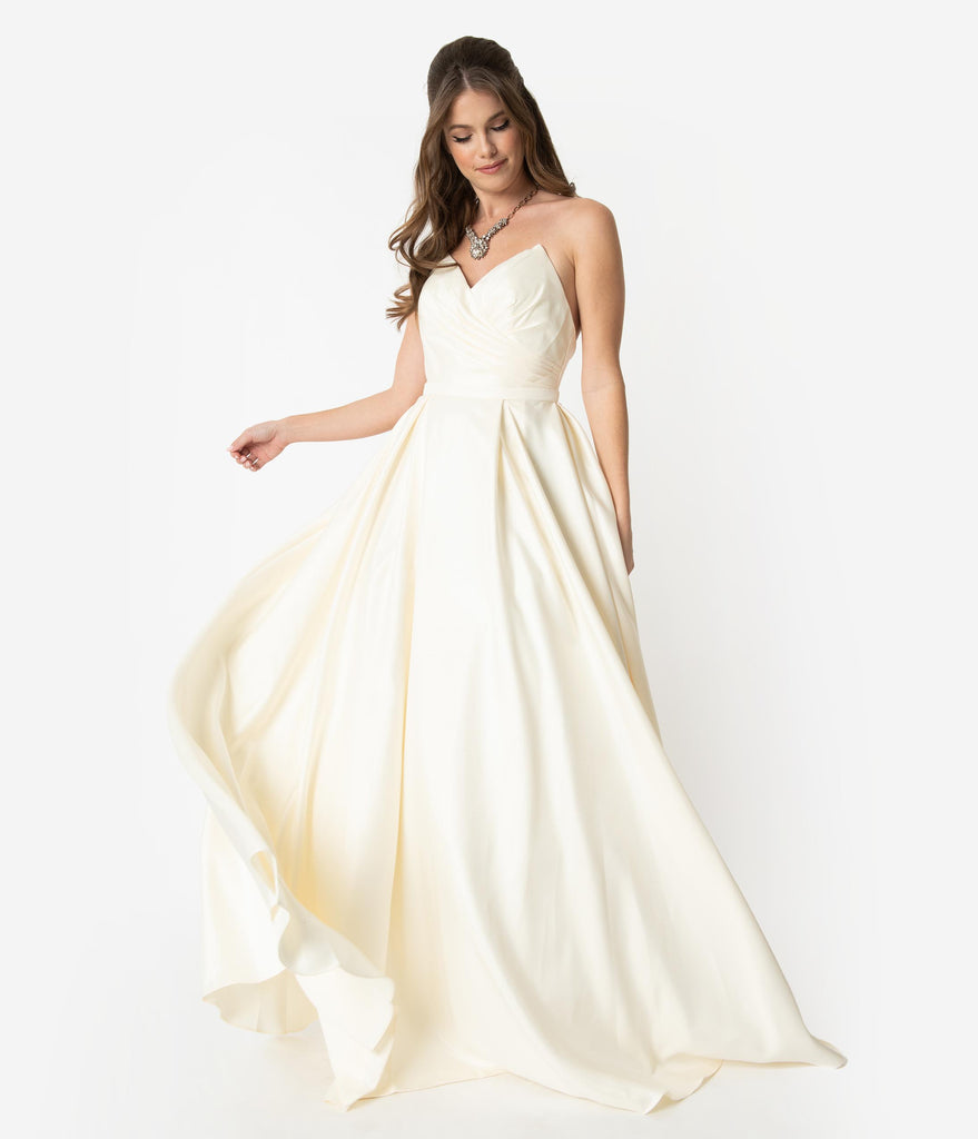 Cream Satin Pleated Pointed Sweetheart Strapless Wedding Gown
