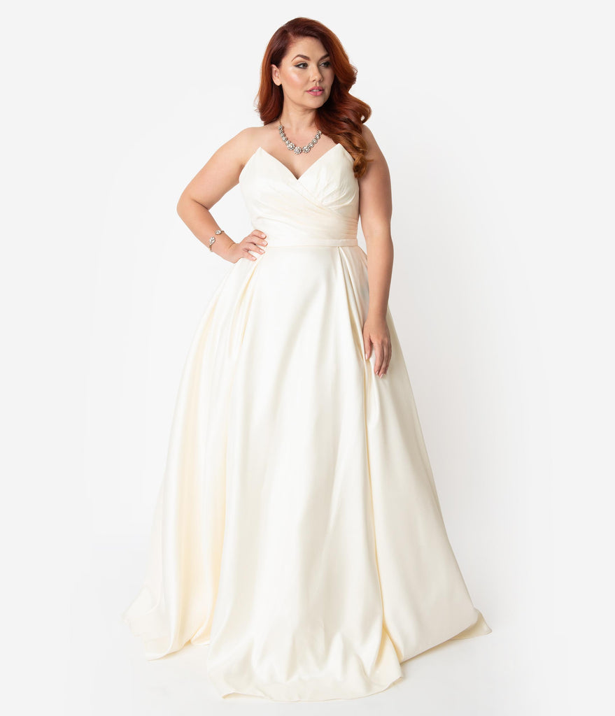 Plus Size Cream Satin Pleated Pointed Sweetheart Strapless Wedding ...