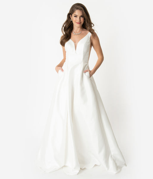 V-neck Sleeveless Plunging Neck Fitted Mesh Pleated Sheer Cutout Pocketed Open-Back Wedding Dress by Nox Anabel