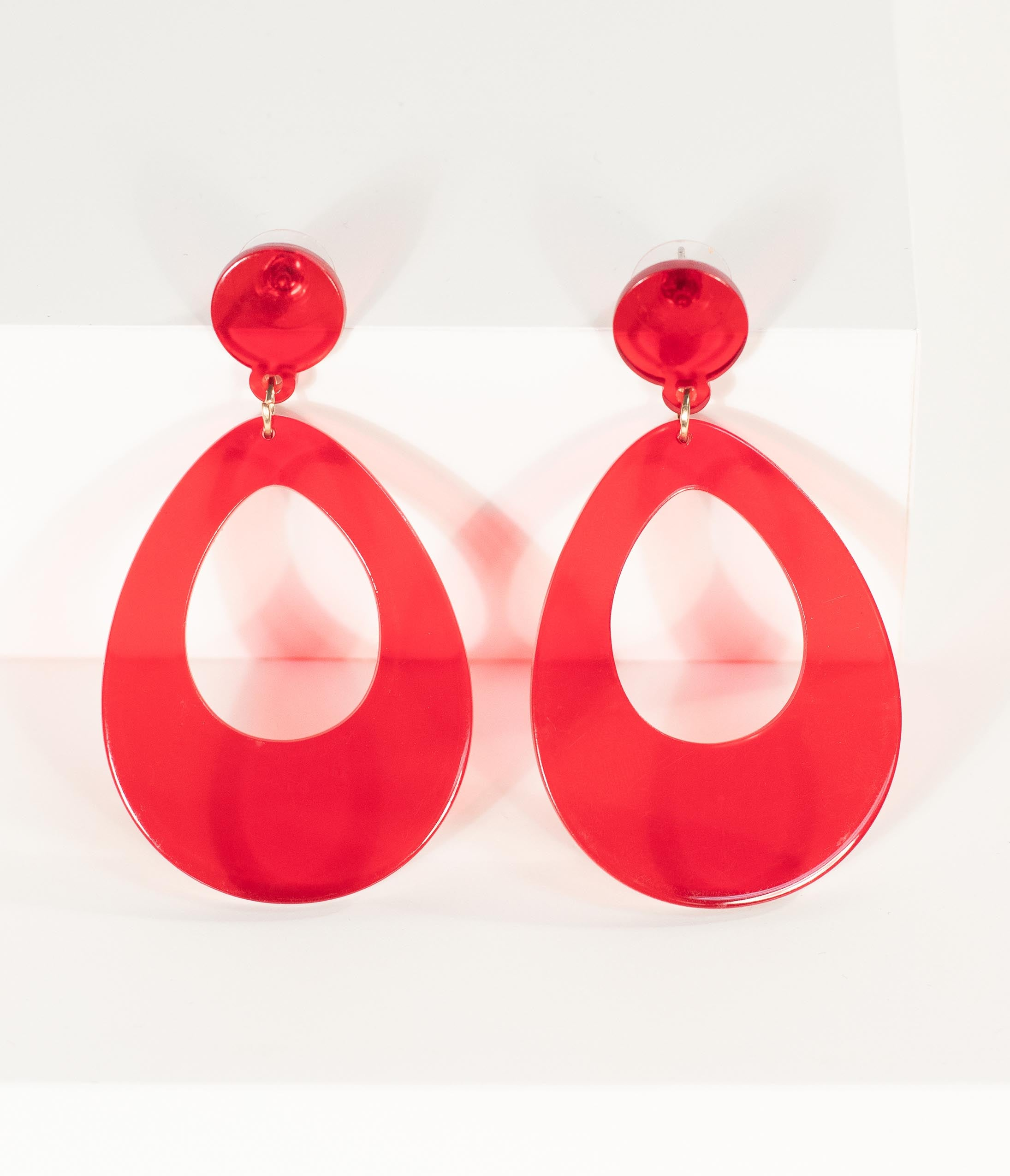 da9fbc750 60s -70s Jewelry – Necklaces, Earrings, Rings, Bracelets Red Teardrop Clear  Resin