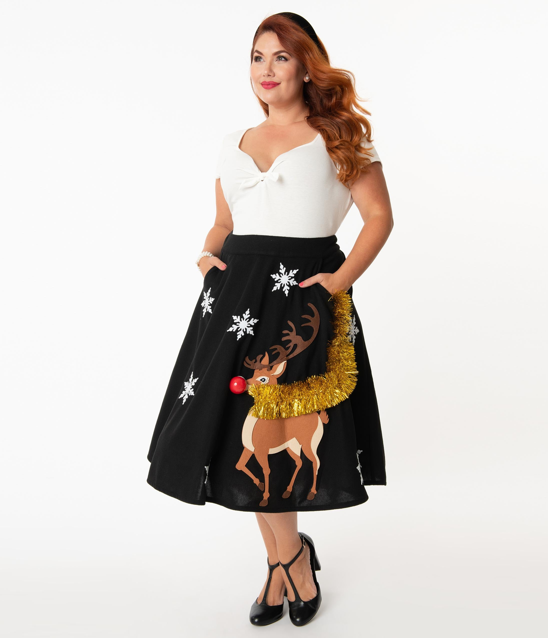 1950s Swing Skirt, Poodle Skirt, Pencil Skirts Unique Vintage Plus Size 1950S Black  Red Nose Reindeer Soda Shop Swing Skirt $78.00 AT vintagedancer.com