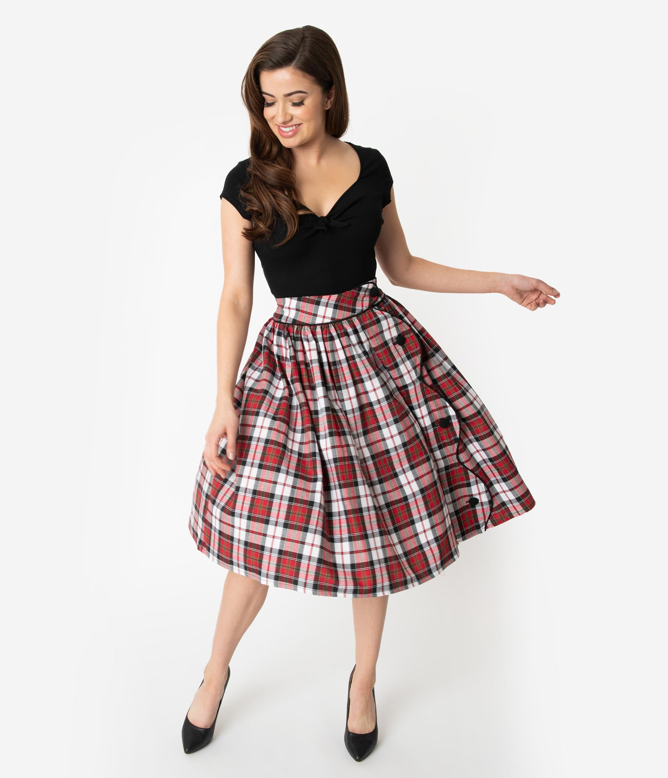 1950s Swing Skirt, Poodle Skirt, Pencil Skirts Unique Vintage Red  Black Plaid Scalloped Button Romero Swing Skirt $68.00 AT vintagedancer.com