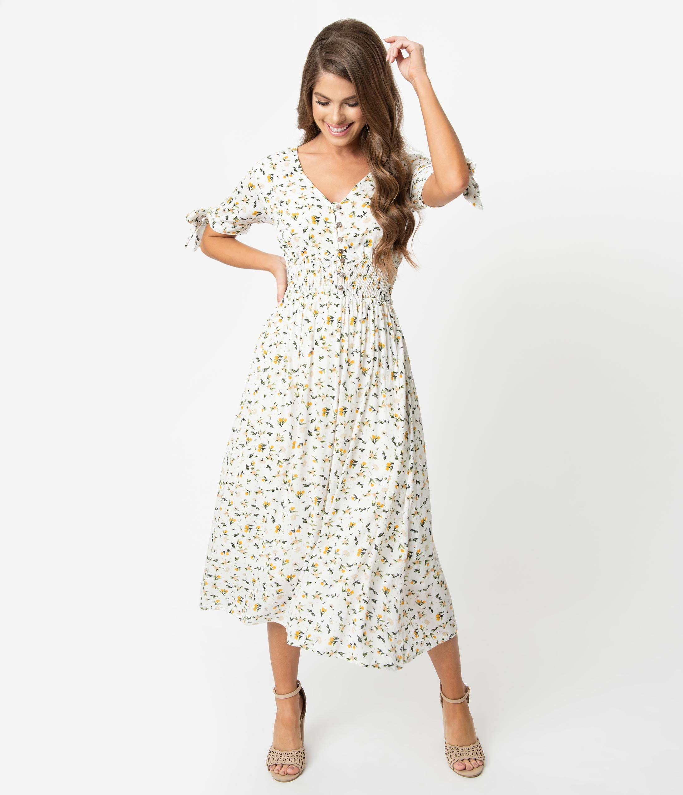 0f61da0342 1970s Style Ivory & Yellow Delicate Floral Print Short Sleeve Midi Dress