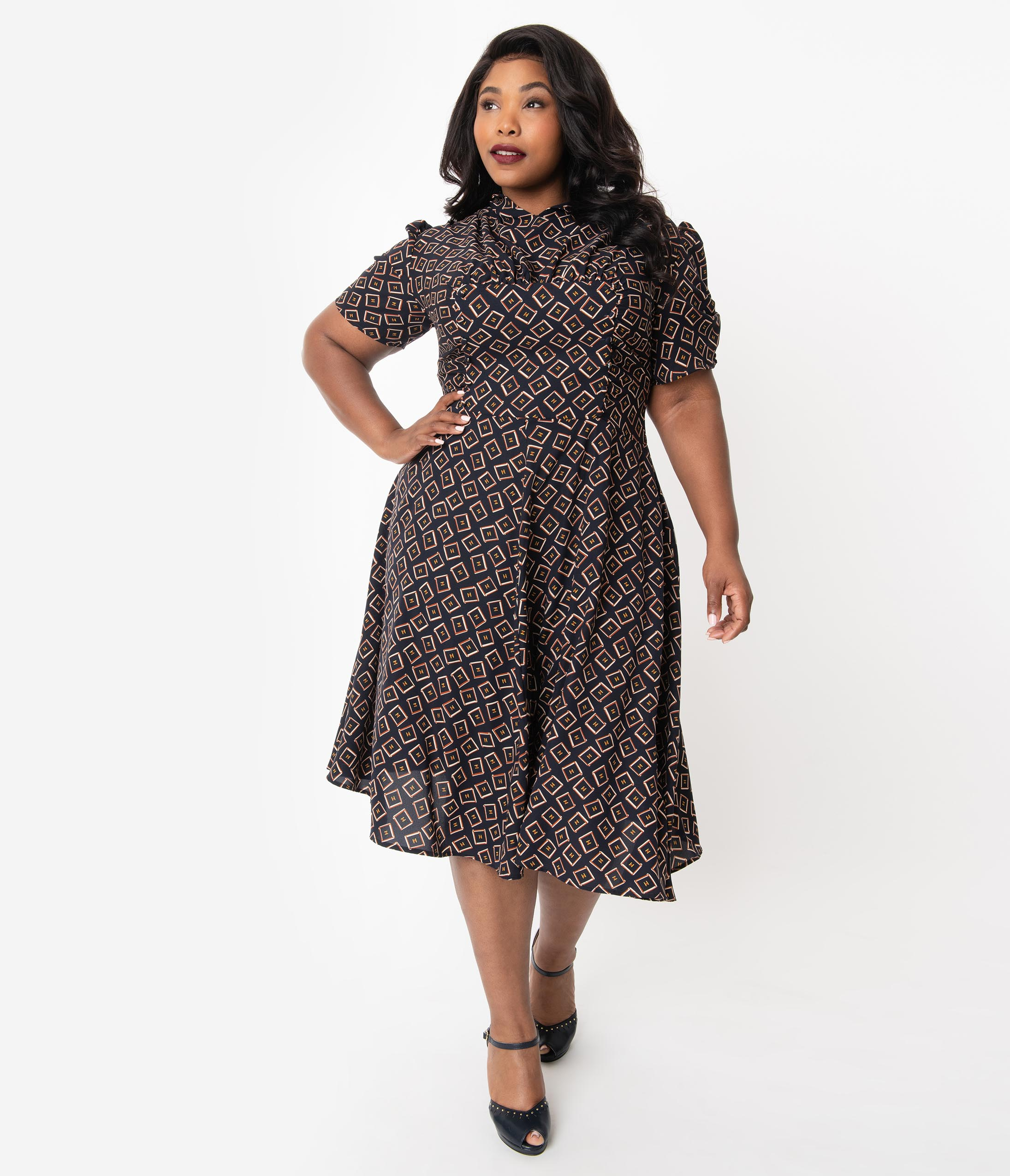 1940s Plus Size Dresses | Swing Dress, Tea Dress Unique Vintage Plus Size 1940S Style Black Box Print Camilla Midi Dress $88.00 AT vintagedancer.com