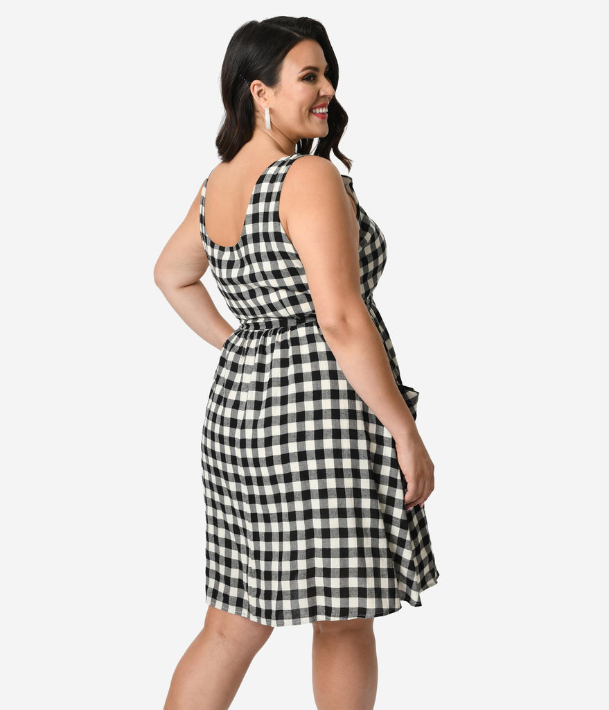 Plus Size Black & White Gingham Cotton Sleeveless Fit & Flare Dress