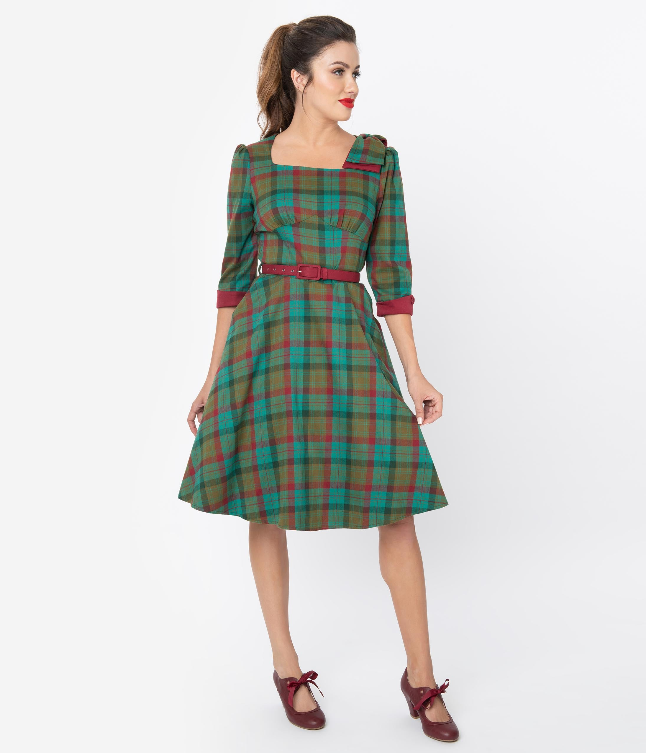 Vintage Christmas Gift Ideas for Women Voodoo Vixen 1950S Green  Burgundy Red Plaid Short Sleeve Swing Dress $88.00 AT vintagedancer.com