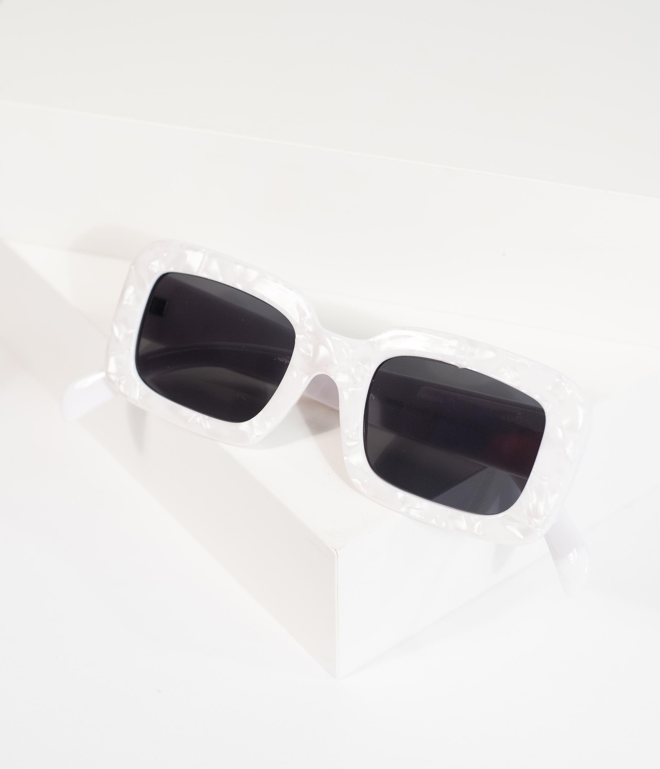 03bc8a2c9763 1950s Sunglasses & 50s Glasses | Retro Cat Eye Sunglasses Retro Style White  Marble Museum Square