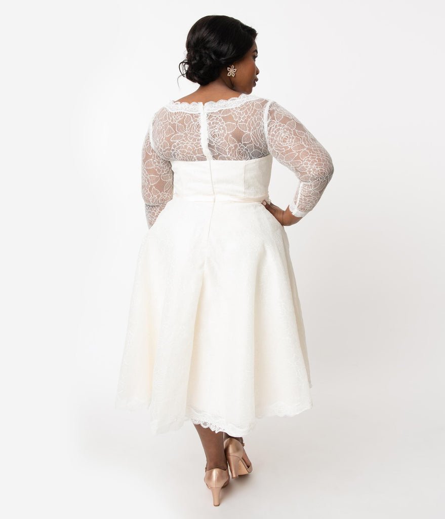 Unique Vintage Plus Size 1950s Ivory Lace Martinique Bridal Dress