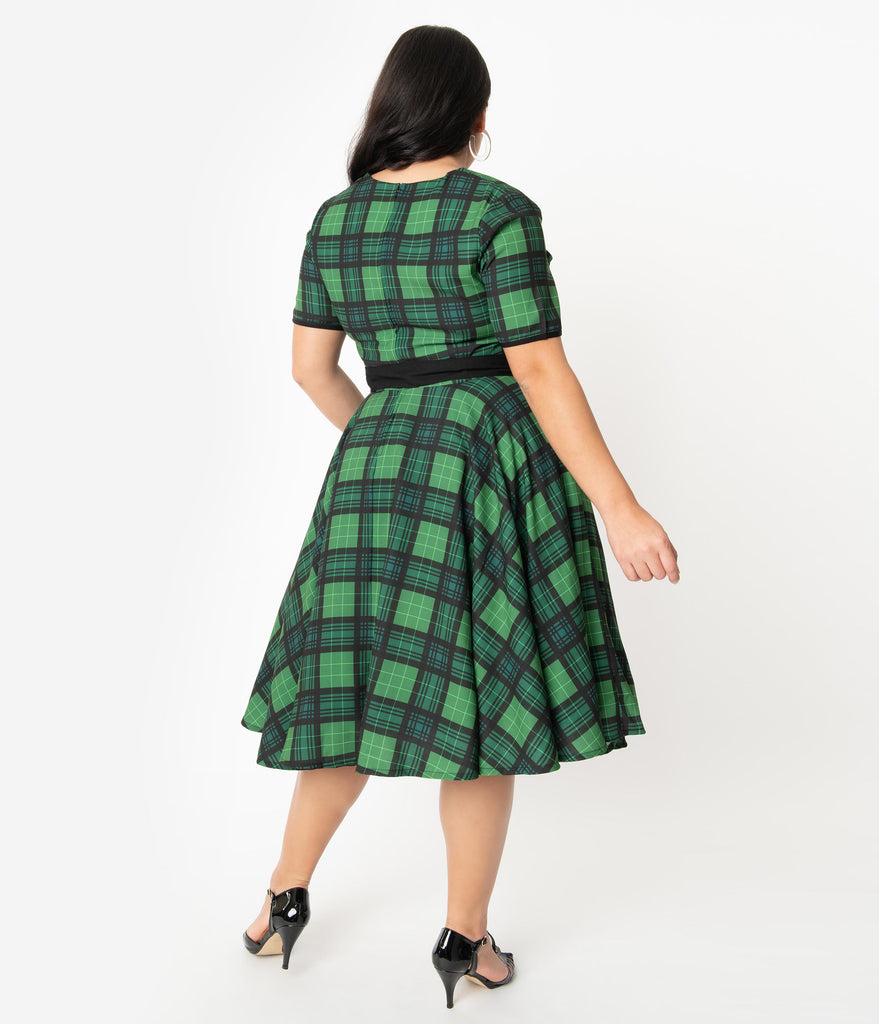 Plus Size 1950s Style Emerald Green Plaid Short Sleeve Dolly Swing Dress