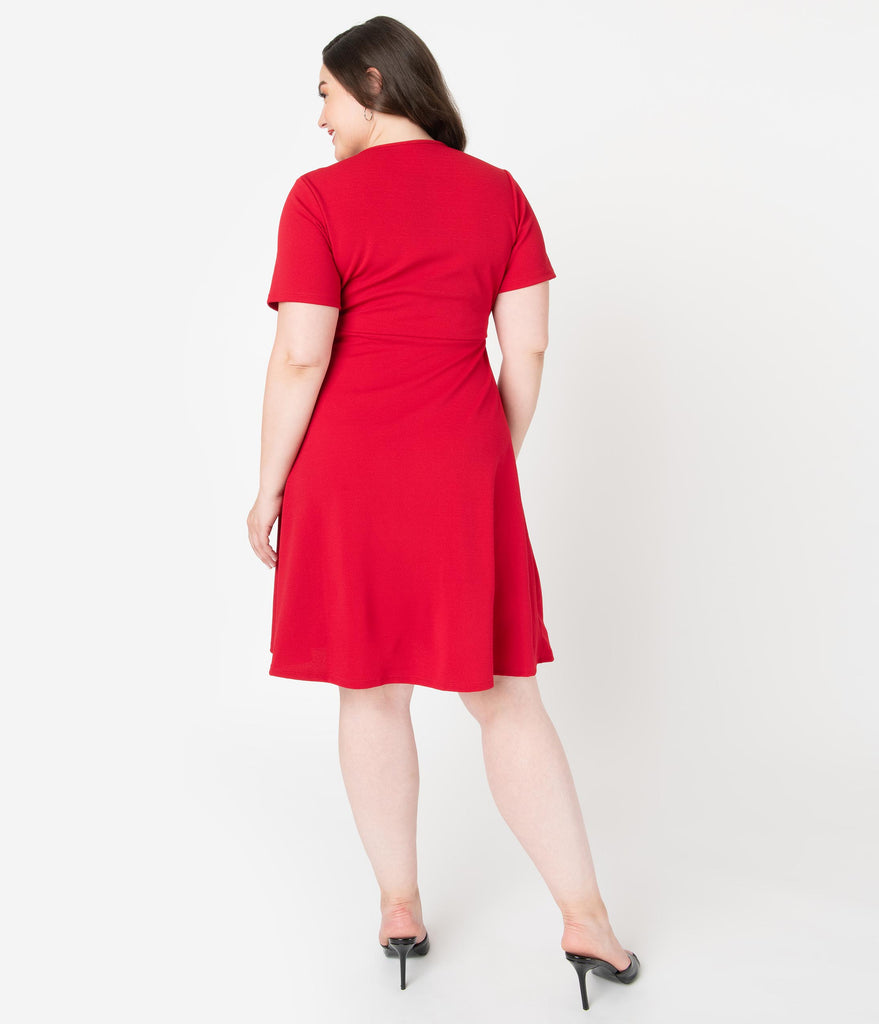 Plus Size Retro Style Ruby Red Short Sleeve Wrap Dress