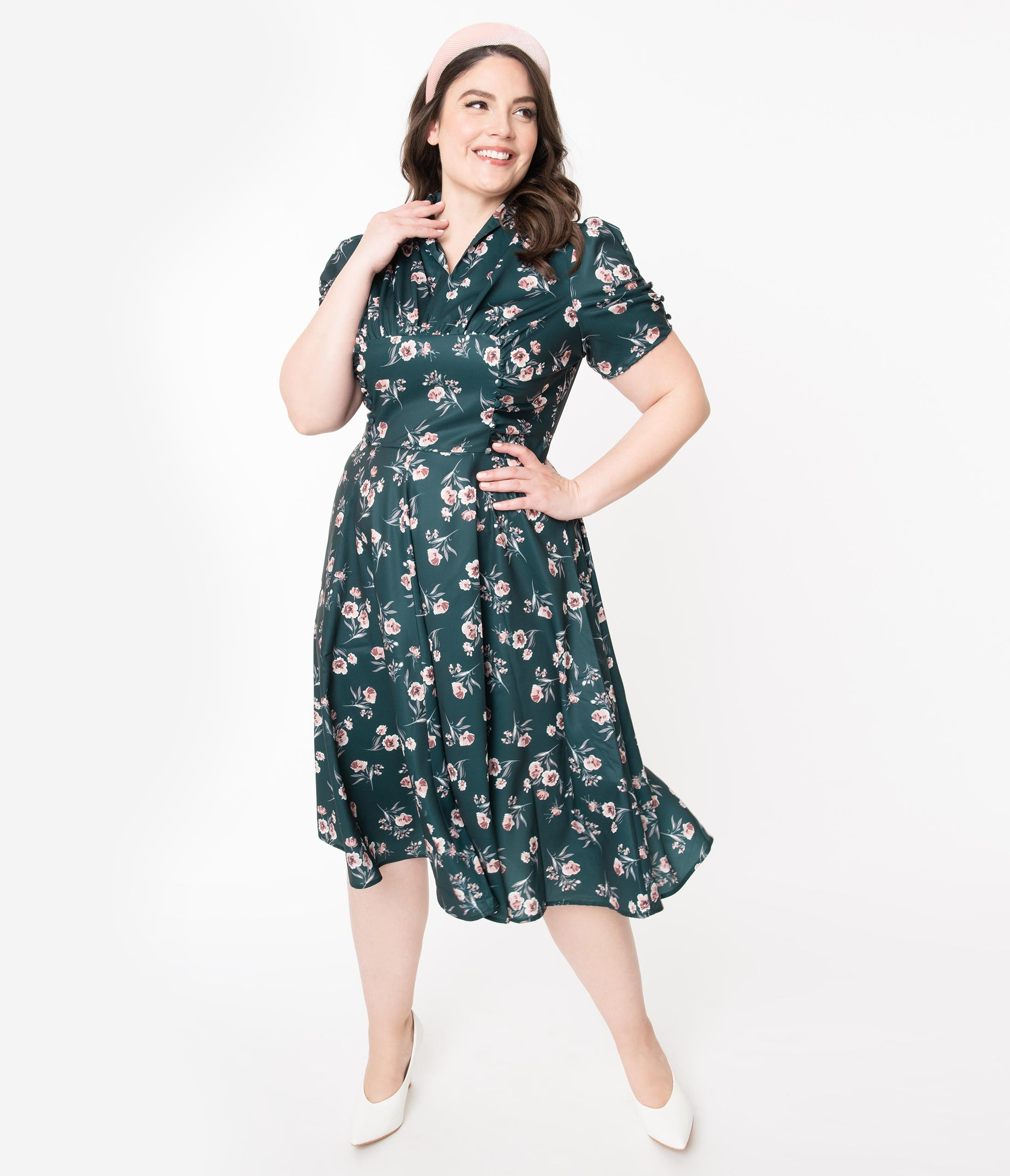 1940s Plus Size Dresses | Swing Dress, Tea Dress Unique Vintage Plus Size 1940S Green Floral Print Camilla Midi Dress $78.00 AT vintagedancer.com