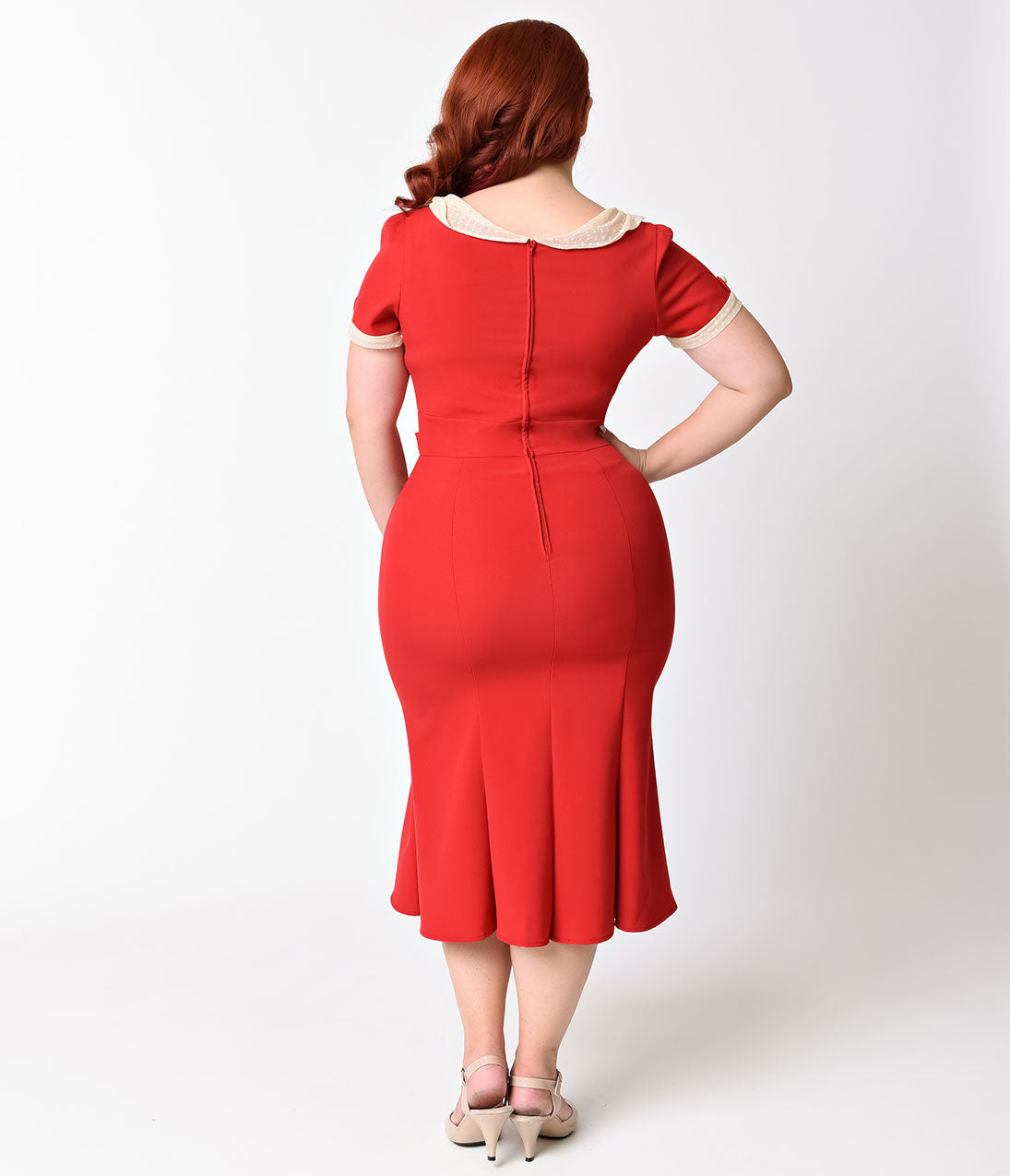Exclusive_Stop_Staring_Plus_Size_1930s_Style_Red_Ivory_Railene_Dress_2_2048x2048.jpg (1095×1275)