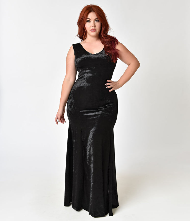 Gothic Style Plus Size Black Velvet Sleeveless Maxi Dress