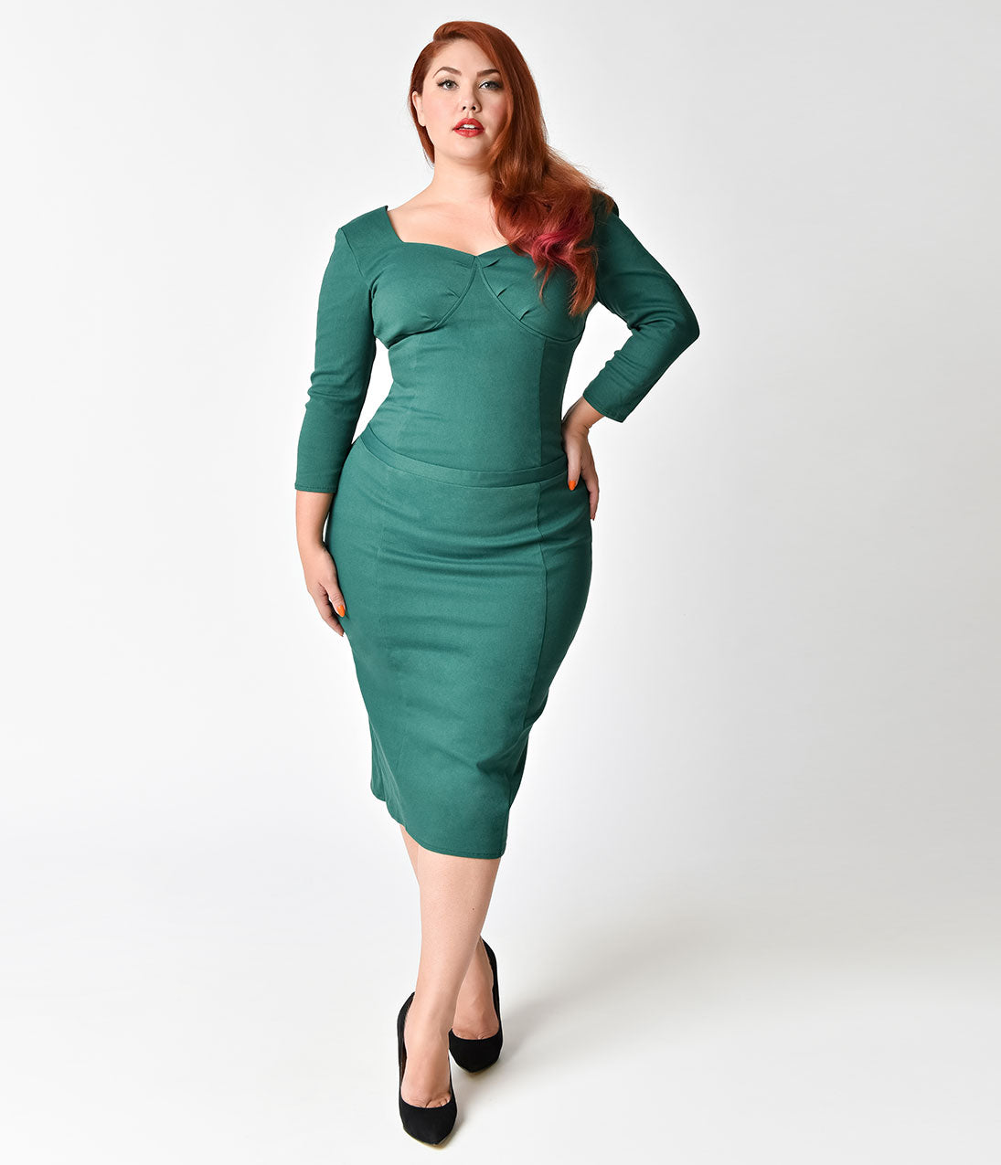 1950s Plus Size Dresses, Clothing and Costumes Janie Bryant For Unique Vintage Plus Size 1960S Emerald Sleeved Joanie Wiggle Dress $63.00 AT vintagedancer.com