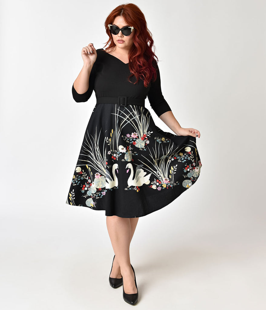 Plus Size 1950s Style Black Swan Scene Print Sleeved Swing Dress